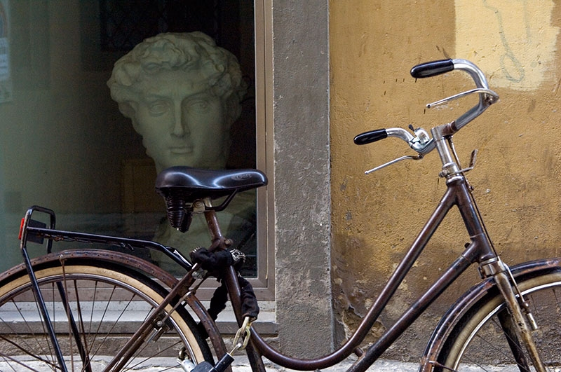 bike-and-bust-9x13