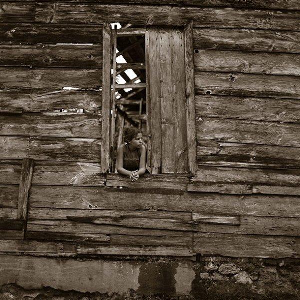 shack-window