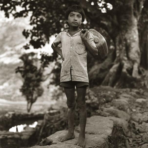fetching-water-nepal