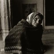 woman-in-shawl
